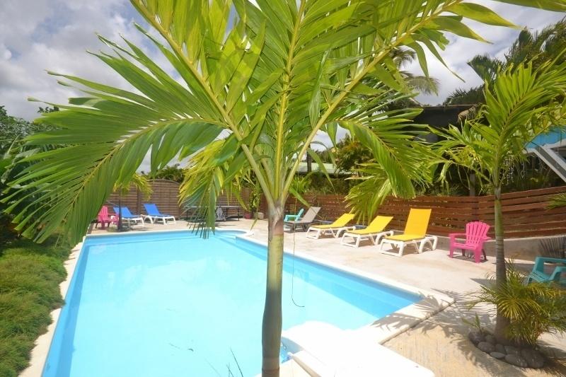 Piscine bungalow piton gite vacances guadeloupe 800x533 - Bungalow guadeloupe piscine privee ...